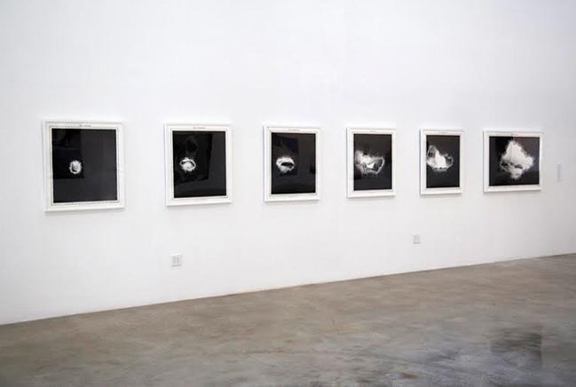 Geologic LightsVista de instalaciónSerie de 6 fotograbados sobre papel Hahnemühle Museum Etching 350g2015