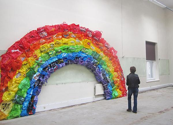 RAINBOW, THE ENDBolsas, plástico sobre estructura de metal558 x 312 x 38 cm2011