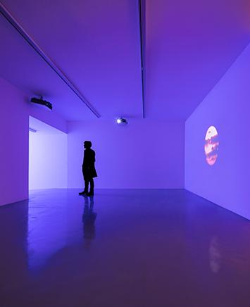 THE END (ACTION N.1)Instalación de video sincronizado multicanal, película de 16mm transferida a HDDimensiones arquitectónicas2013-2015Instalación y performance en el Mart Museum | Galleria Civica di Trento