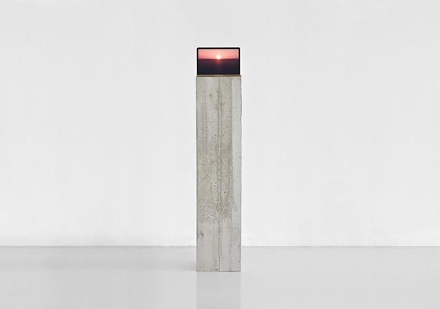 THE END (ACTION N.5)Película de 16mm transferida a HDSeda, acero y estructura de concreto180 x 151 x 32 cm2015