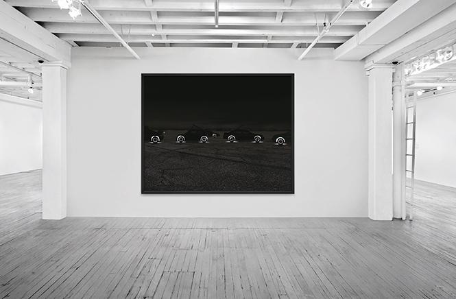 HIGGS OCEAN N.5C-print montado en aluminio dibondMarco de madera negro158 x 230 x 7 cm, enmarcado2009Vista de instalación en Aperture Foundation, New York