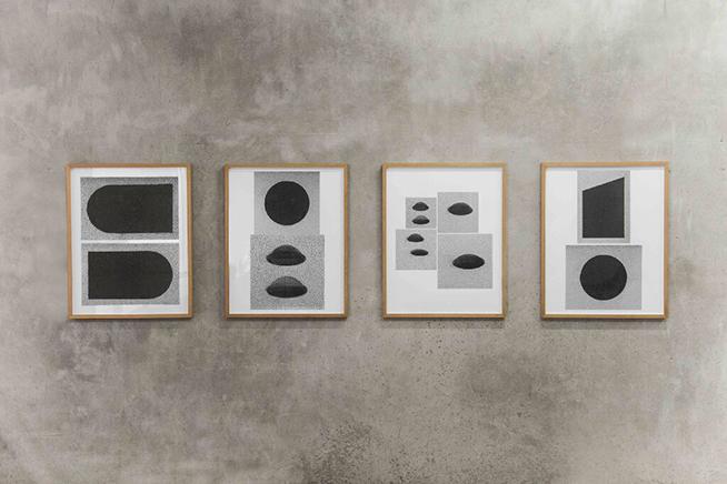ST (UN MURO CONTRA UN NUMERO II)Políptico: Fotografía análoga copias por inyección de tinta66.5 x 84.5 cm c/u2018
