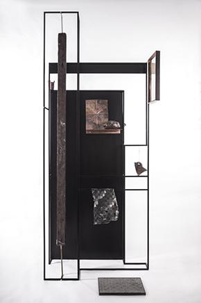 USHNU / CONSTRUCT IIAcero, marco, papel, grout metálico, cobre, bronce y electroplaque de cobre en objetos 230 X 90 x 50 cm2019