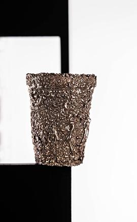 USHNU / CONSTRUCT IIDetalle de electroplaque de cobre en objetos2019