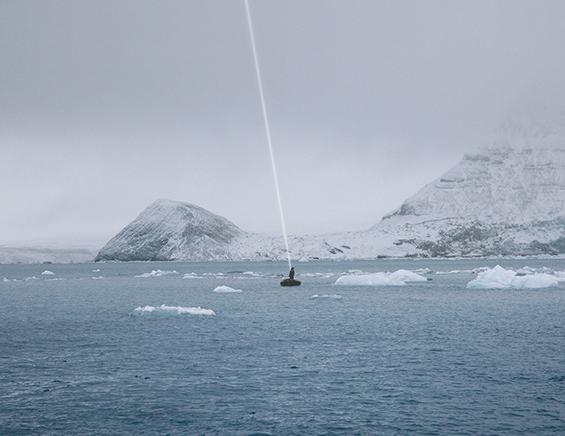 HIGGS OCEAN N.8C-print montado en aluminio dibondMarco de madera blanco con vidrio especial museográfico76 x 100 cm, enmarcado2009